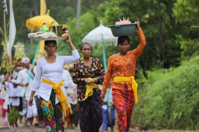 2. Menjaga Kerukunan Di Lingkungan Masyarakat